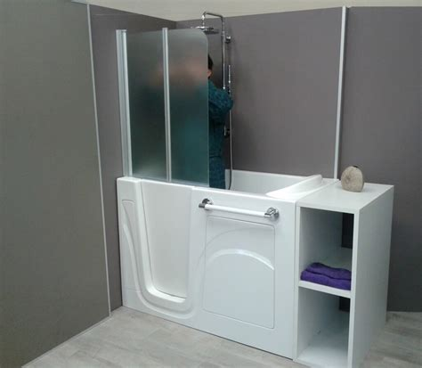 vasca da bagno sportello vasca con sportello dotata di doccia e seduta interna