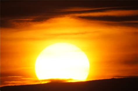 gelbe sonne accuweather photo gallery yellow sun image