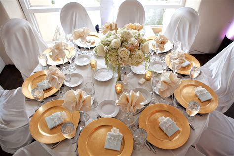 white and gold table settings table setting with white and gold vinca blooms flickr