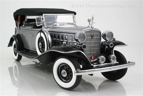 Cadillac Danbury by Danbury Mint 1932 Cadillac
