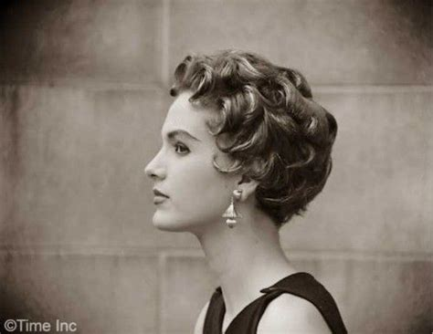 short womens haircuts of the thirties and forties 25 best ideas about italian hairstyles on pinterest