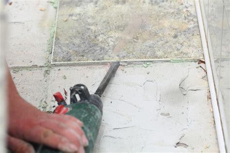fliesen estrich entfernen bodenfliesen entfernen 187 anleitung in 3 schritten