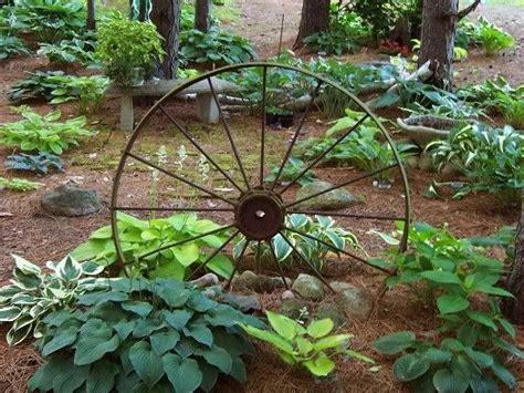 Wagon Wheel Decor Garden The 25 Best Wagon Wheel Garden Ideas On Pinterest