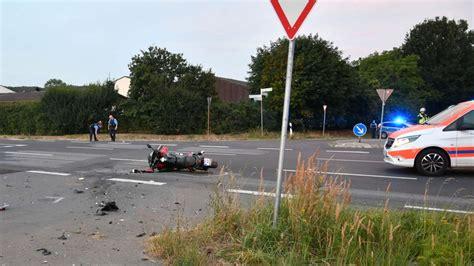 Motorradunfall Germering by Germering Bayern Bmw Wendet Auf B2 Und Verursacht Unfall