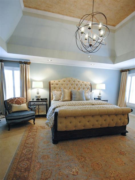 Chandeliers In Bedroom 10 Chandeliers That Are Dining Room Statement Makers
