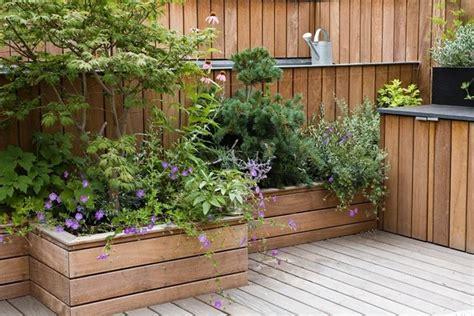 fiori per terrazzo come arredare un terrazzo con fiori e piante uno spazio