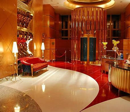 luxurious interiors  burj khalifa    waste