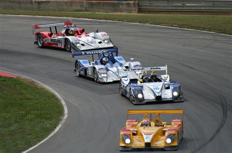car race le mans prototype
