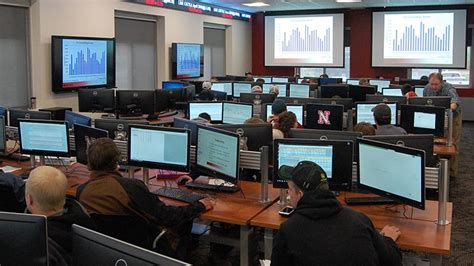 futures trading room commodity trading room comes at unl york s max country 104 9 1370 kawl