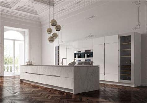 cucina londinese cosa ne pensate di questa isola in marmo carrara e colonne
