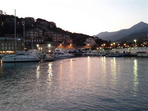 porto arenzano porto di arenzano viaggi vacanze e turismo turisti per