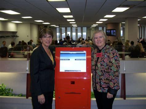 Macomb County Clerk S Office by Clerk Macomb County Clerk Launches Juror Kiosks Macomb