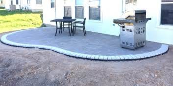 How To Level My Backyard How To Build A Kidney Bean Shaped Paver Patio Diy Types