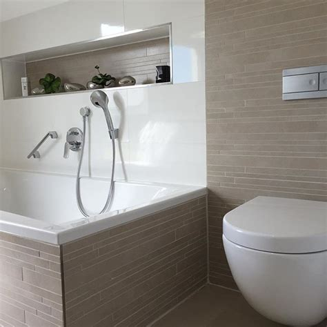 badezimmer fliesen kombination die besten 17 ideen zu badezimmer mit mosaik fliesen auf