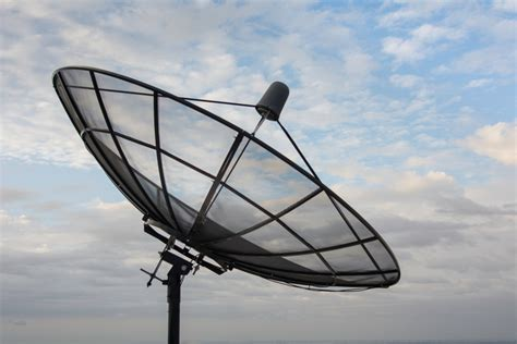 remembers  band satellite dishes signal connect