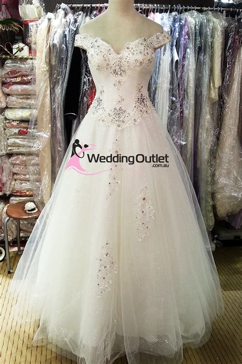 Wedding Outlet – Wedding Dresses, Prom Dresses, Discounted Cheap Off The