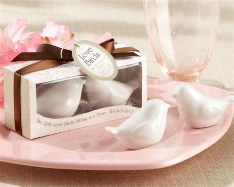 wedding salt and pepper shakers lovebirds salt pepper shakers wedding favors by kate aspen