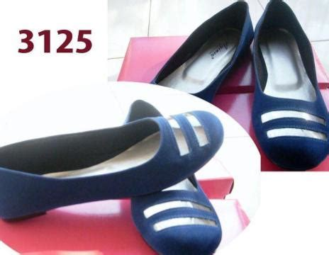 Sandal Sepatu Cewe Kado Cewe Sepatu Running Sneakers 4 thull ilbitthing december 2011