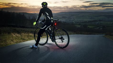 cycling gear buyer s guide the best reflective cycling clothing