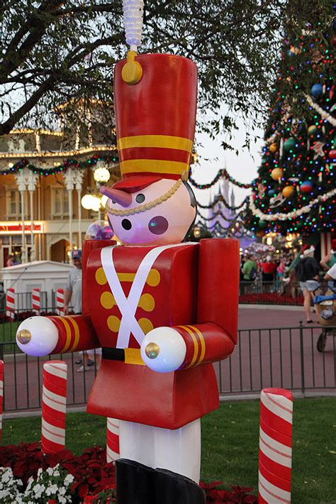 filming schedule for disney christmas parade 2015 taping