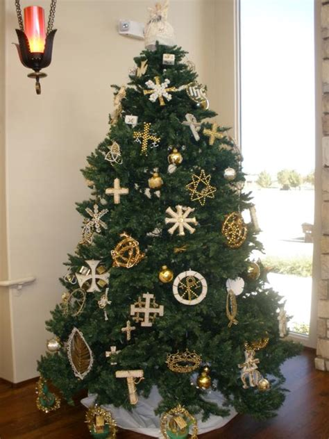 significance of christmas tree and ornaments chandler umc s chrismon tree is 51 years