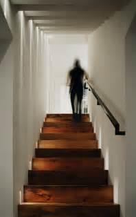 treppenaufgang beleuchtung led treppenbeleuchtung innen 25 ideen f 252 r die gestaltung