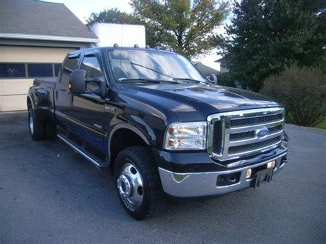 find   black ford  lariat dually crew cab