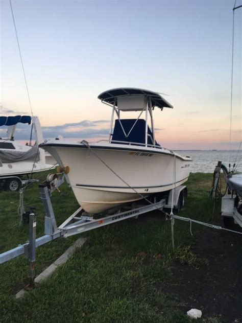 sea hunt fishing boats for sale 2002 used sea hunt triton 212 saltwater fishing boat for