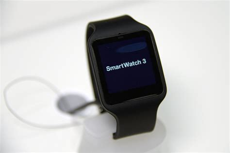 Resmi Sony Smartwatch 3 Sony Smartwatch 3 Now Available Via Play For 250