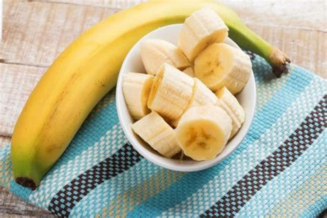 fruit before bed 10 best foods to eat before bed to lose weight and what