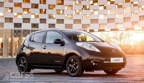 nissan black 2017 2017 nissan leaf black edition goes on sale in the uk