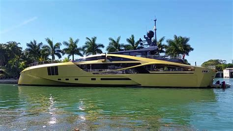 palmer johnson miami boat show palmer johnson gold mega yacht visits miami beach youtube