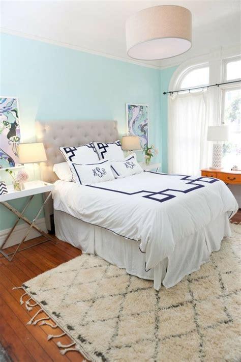 schlafzimmer wand schlafzimmer wand in himmelblau gestalten