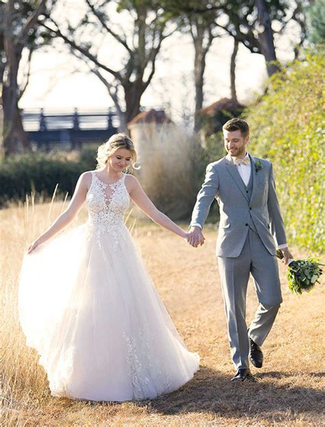 2019 Outdoor Wedding Themes   Weddings Romantique