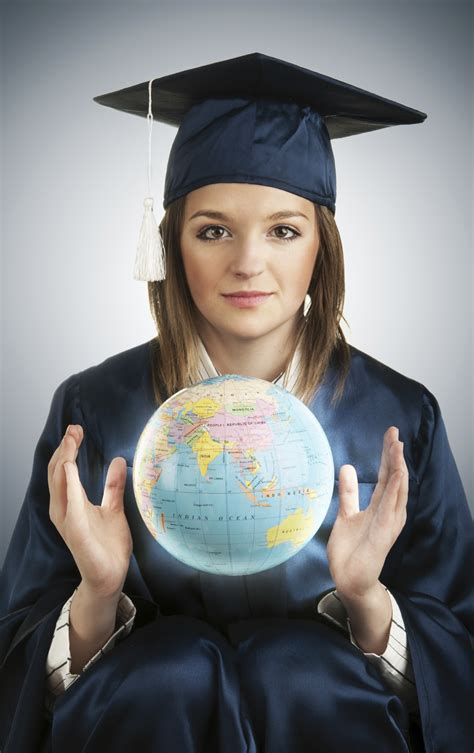 Usc Mba Mfa by The World Is In The Of Knowledge Graziadio