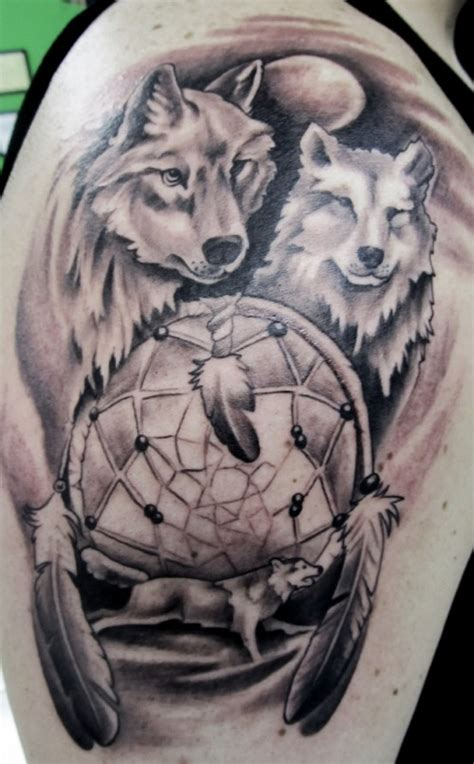 dream catcher tattoo on head 25 dreamcatcher wolf tattoo designs images and pictures