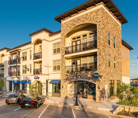 texas retailer chad plumlee opens third store giant
