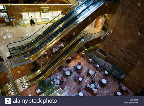 trump tower gold pan up stock video footage 9571267 trump tower 725 fifth avenue open from 10 to 18 mon sat