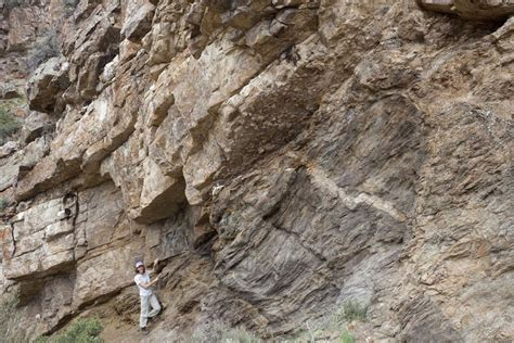 what are basement rocks picture image of unconformity montana basement gneiss