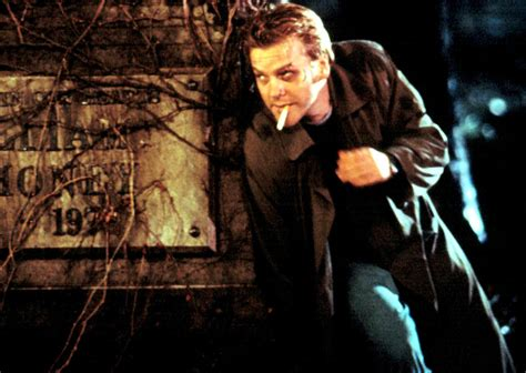 flatliners film remake kiefer sutherland reboots himself into flatliners remake