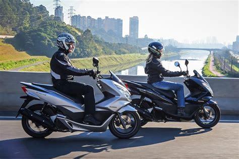 Pcx 2018 Valor by Honda Pcx 150 Ganha Novas Op 231 245 Es De Cores Para A Linha