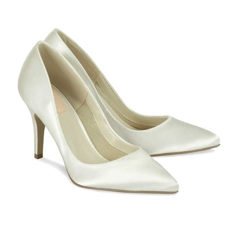 ivory bridal shoes ivory satin wedding shoes flush paradox pink
