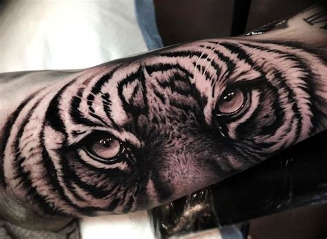 tiger eyes tattoo 60 best tiger eye tattoos designs with meanings
