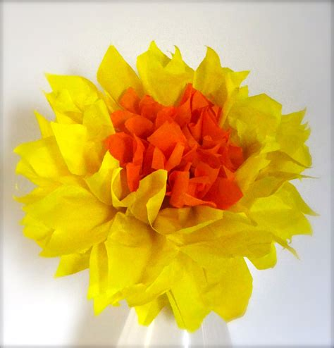 Paper Daffodils - celebrate st david s day by a paper daffodil