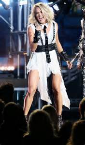 cma awards 2016 carrie underwood changes