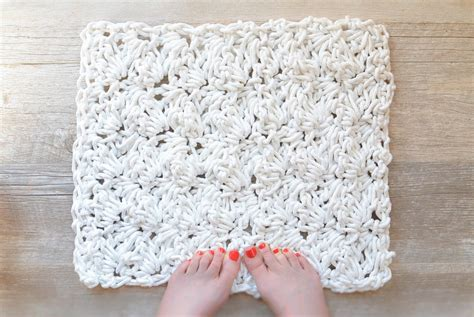 crochet a rug how to crochet a bath rug with rope in a stitch