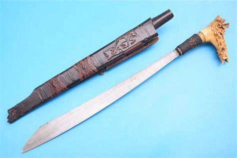 Liontin Kujang Bahan Aceh 10 jenis senjata fenomenal tradisional indonesia pekanbaru sore hari pekanbaru sore