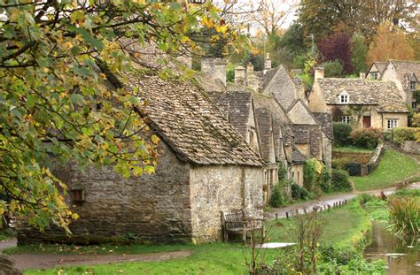 English Tudor Homes by English Village Cozy Mysteries Reading Suggestions