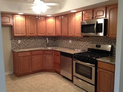 How To Clean Maple Kitchen Cabinets ginger maple kitchen cabinets traditional kitchen