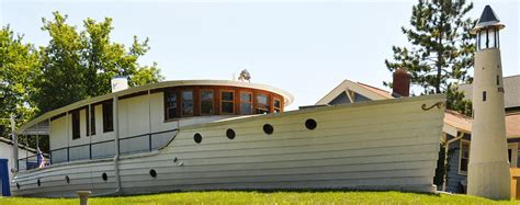 boat house milwaukee ship shaped buildings roadsidearchitecture com